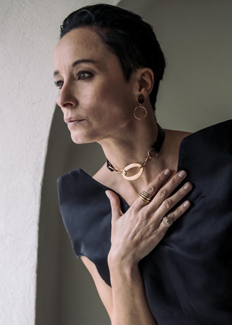 Olimpia collezione Gioielli Cuoio Alba Gallizia Design Algares
